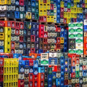photo caisse bouteille de toutes les couleurs