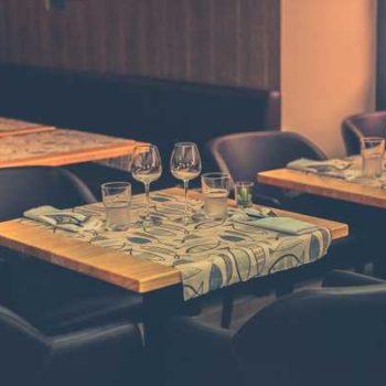 photo de tables dresées restaurant la cotriade
