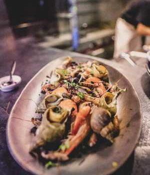 Photo d'un plat de fruit de mer